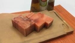 Мясо лосося кусочками